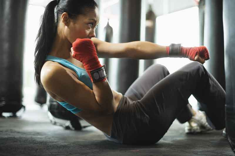 Fitness-boxing-situps